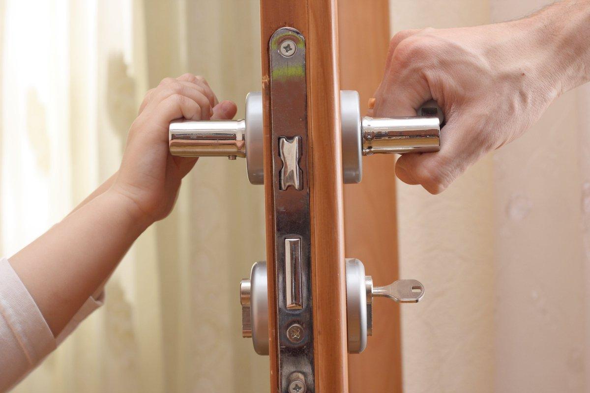 Каким параметрам должна соответствовать входная дверь?